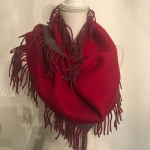 L Pure Cashmere fringe scarf 🧣 NWT